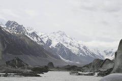 Icebergs glaciaires sur le lac melt de Tasman Photos libres de droits
