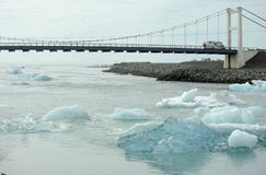 Icebergs going towards the sea Royalty Free Stock Photography