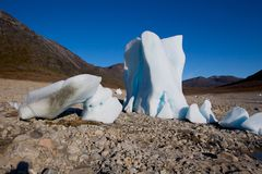 Icebergs in the middle of a dried out lake Royalty Free Stock Photos