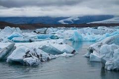 Icebergs sur la lagune de glacier de Jokulsarlon, Islande Photo libre de droits