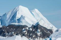 Icebergs trenzados en la boca del Icefjord cerca de Ilulissat, G Fotos de archivo libres de regalías