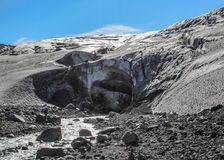 Icecave en glacier de Vatnajokull, Kverkfjoll, montagnes de l'Islande, l'Europe photo stock