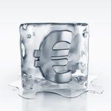 Icecube con l'euro simbolo all'interno Immagine Stock