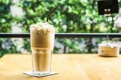 Iced kaffe med kräm Arkivbild