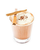 Iced a mélangé le café de milk-shake sur le fond blanc Image stock
