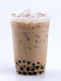 Mjölka tea med bubblar Arkivfoto