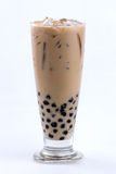 Mjölka tea med bubblar Royaltyfria Bilder