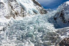 Icefall khumbu -从珠穆琅玛基本阵营的看法 库存照片