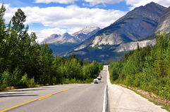 Icefields Parkway between Canadian Rocky Mountains Stock Photo