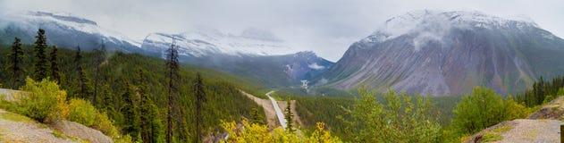 Icefields Pkwy, εθνικό πάρκο ιασπίδων, Καναδάς Στοκ εικόνα με δικαίωμα ελεύθερης χρήσης