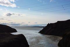 Icelad-Natur und Gebirgslandschaft mit Fluss Lizenzfreies Stockbild