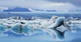 is- iceland jokulsarlonlagun Arkivfoto