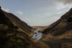 Iceland krajobraz - Rzeczna dolina zdjęcia stock
