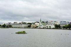 iceland lakereykjavik tjornin arkivfoton