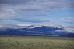 Iceland lodowa odbicia niebieskie niebo chmurny zdjęcia royalty free