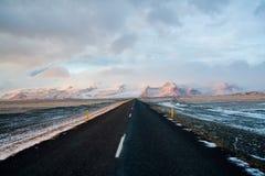 iceland väg Arkivfoto