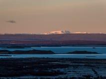 Iceland - wsch?d s?o?ca nad lawowymi polami zdjęcia royalty free