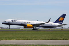 Icelandair Boeing 757-200 airplane Royalty Free Stock Photos