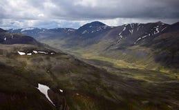 icelandic krajobrazu Dolina między Svinadalsfjall i Vatnsdalsfjall zdjęcia stock