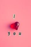 Ich liebe dich Aufschrift mit Herzen Stockfotografie