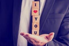 Ich liebe dich mit einem roten romantischen Herzen Stockbild