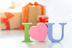 Ich liebe dich und ich geben Sie Ihnen viele Geschenke Lizenzfreie Stockfotos