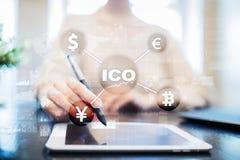 ICO, αρχική προσφορά νομισμάτων Ψηφιακή ηλεκτρονική δυαδική οικονομική έννοια χρημάτων Ανταλλαγή νομίσματος Bitcoin στοκ φωτογραφία