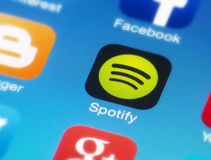 Icona di Spotify sullo Smart Phone Fotografia Stock Libera da Diritti