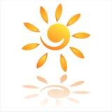 Icona di Sun isolata su bianco Immagini Stock