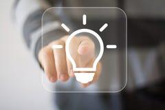 Icona di web di affari della lampadina di idea del bottone immagine stock libera da diritti