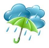 Icona piovosa del tempo con le nubi e l'ombrello Fotografia Stock