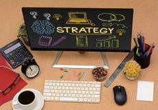Icone del disegno di strategia sullo schermo video dell'ufficio Fotografie Stock Libere da Diritti