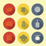 Icone di vettore con la mobilia della cucina Immagine Stock