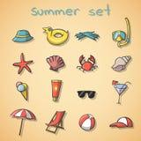 Icone di viaggio di vacanze estive messe Immagine Stock