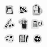 Icone disegnate a mano nere macchiate di inchiostro dei rifornimenti di scuola e degli autoadesivi della cancelleria messe Fotografia Stock