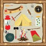 Icone ed elementi di campeggio Fotografie Stock