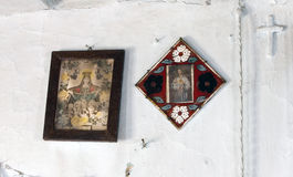 Icone nel vecchio tempio Immagine Stock Libera da Diritti