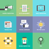 Icone piane sociali di commercializzazione e di sviluppo di media Fotografia Stock