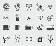 Icone senza fili nere Metta le icone per accesso ed il Ra di controllo di wifi Fotografia Stock Libera da Diritti