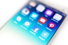 Icone, simboli, applicazione della rete sociale sul telefono cellulare s Immagine Stock