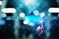 Icone sullo schermo virtuale, tecnologia, concetto di applicazioni del fondo di sviluppo fotografie stock