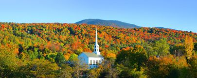 Free Iconic Church In Stowe Vermont Royalty Free Stock Images - 112388849
