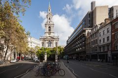 Iconic church in London. Iconic London church in between two streets Royalty Free Stock Photography