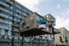 Iconic husbyggnad i Amsterdam Arkivfoto