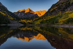 The Iconic Maroon Bells on an Autumn Morning - Colorado stock photo