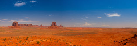 Iconic peaks of rock formations in the Navajo Park of Monument V Stock Photo