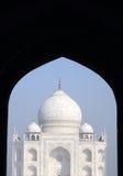Iconic sikt av Taj Mahal Arkivbild