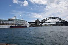 Iconic Sydney Harbor Bridge i AUSTRALIEN Royaltyfria Bilder