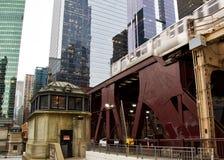 Iconisch de doorgangssysteem van Chicago ` s, de opgeheven trein van Gr Royalty-vrije Stock Foto