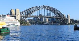 Iconisch Sydney Harbour Bridge in Australië 4K stock video